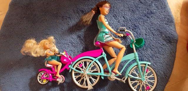 Hermanas de Barbie en bici tandem