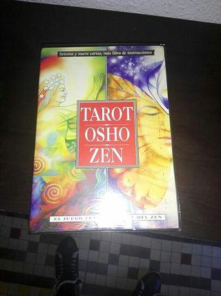 Libro de tarot.