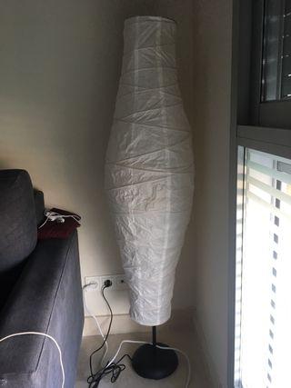 Lampara de pie de Ikea