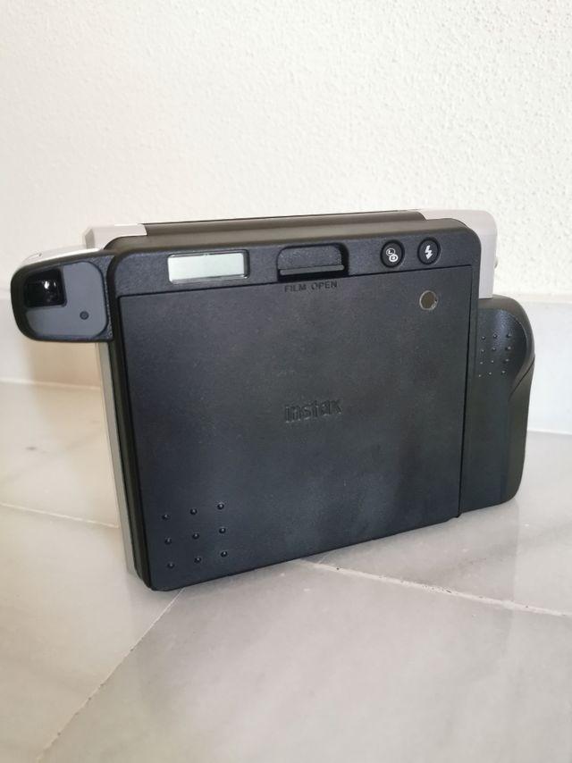 Cámara analógica instantánea Fujifilm