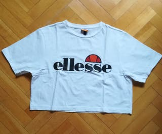 "Camiseta ellesse, estilo ""crop"", como nueva"