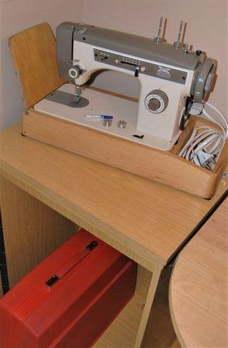 Máquina de coser Sears