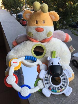 Surtido juguetes bebé : peluche, sonajero y espejo