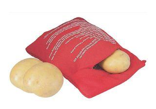 Bolsa roja para asar patatas en el microondas