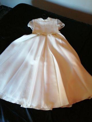 vestido de comunión con cancán
