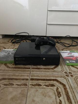 Xbox360 un mando i dos juegos