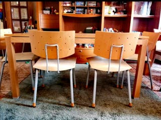 Mesa de comedor extensible y seis sillas