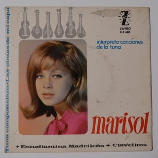 Marisol interpreta canciones de la tuna