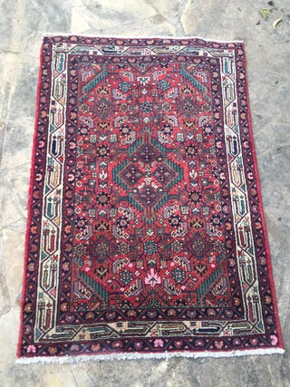 Alfombra persa oriental antigua