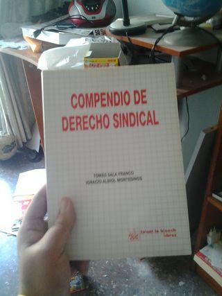 Libros de Texto de Economía