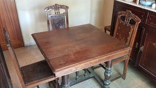 Mesa y 6 sillas de comedor de madera
