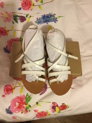 Sandalias planas tiras blanco