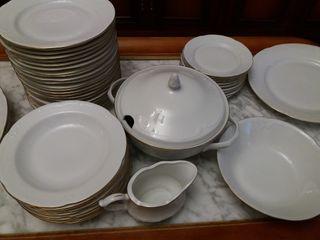 Vajilla clasica de porcelana de Wtoctawek