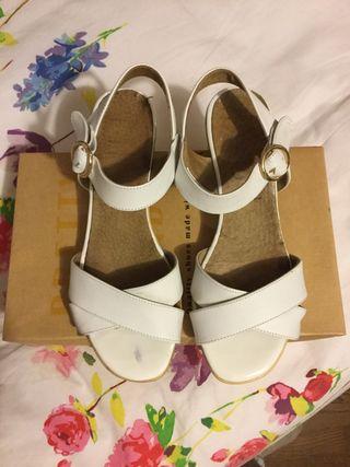 Sandalias tacón piel color blanco