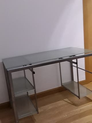Mesa-escritorio de vidrio