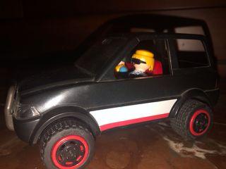 Pack coche y muñecos PLAYMOBIL