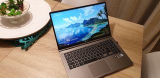 "Portátil LG Gram de 1Kg, 15.6"" Intel i7 256GB SSD"