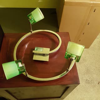 Se vende lampara redonda con tulipas verdes
