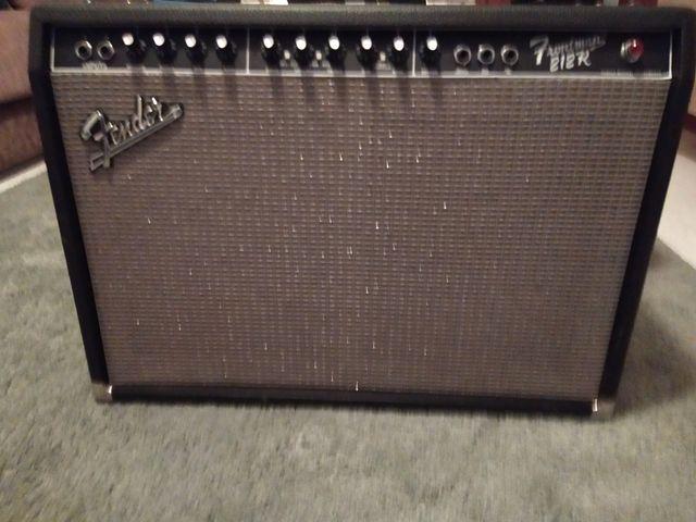 fender Frontman 212R amplificador guitarra