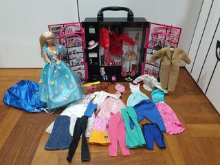 armario con muñeca barbie