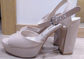 sandalia piel beige Zara