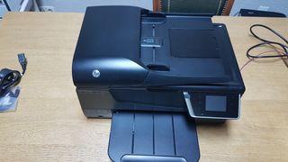 Impresora multifunción HP Officejet 6700 Premium.