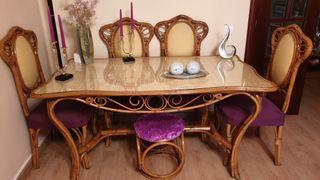Mesa comedor y sillas mimbre