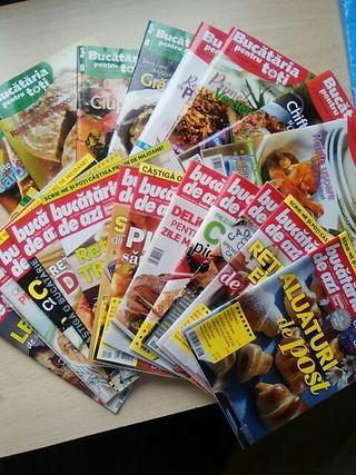 Revistas de cocina en rumano.