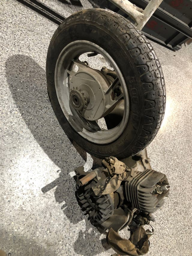 Motor de suzuki lido 49