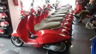 Vespa Primavera 125CC IE 3V color rojo