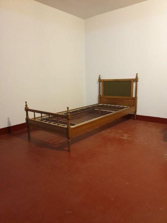 Vendo tres camas de 80 cms iguales.