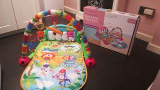 Manta bebé multi-juego con piano y música
