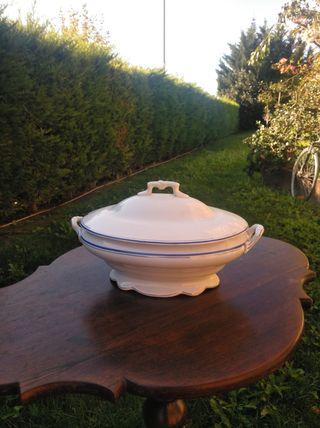 Preciosa sopera porcelana