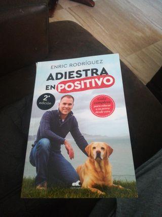 libro Adiestra a tu perro en positivo