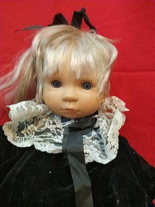 muñeca grand de Antón