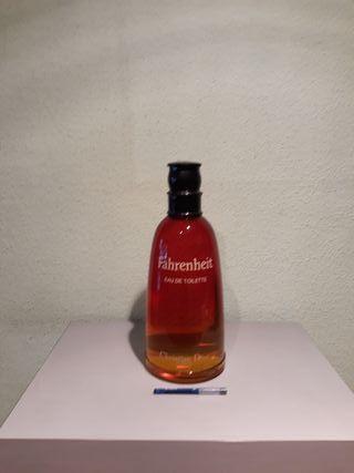 Perfume ficticio gigante de Farhenheit ,Dior.50€
