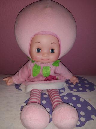 muñeca de trapo tarta de fresa musical