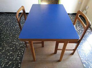 Mesa comedor y 2 sillas URGE