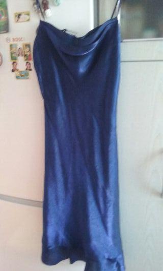 Sin estrenar.vestido de raso azul marino
