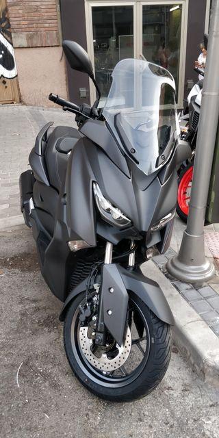 Yamaha xMax 300. 1 mes y 1100kms