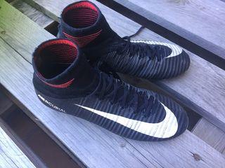 Botas fútbol Nike mercurial 36