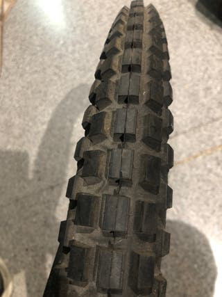 Neumático trial 2 1/2-17 michelin