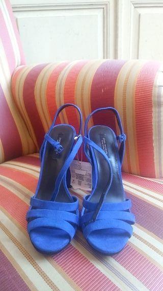 Sandalias azul Klein Zara