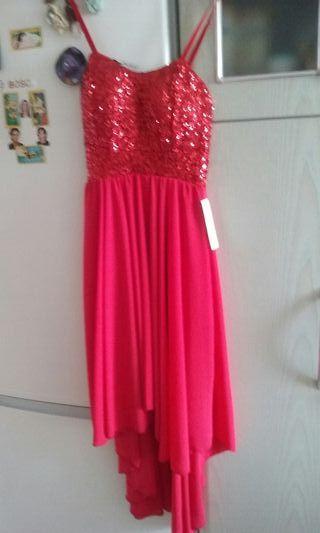 Sin estrenar.vestido de fiesta rojo