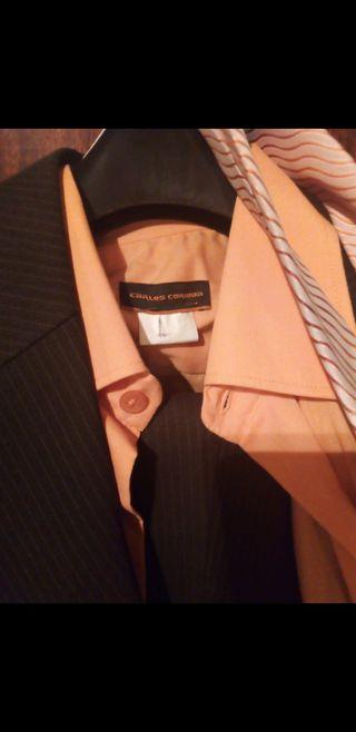 traje completo + camisa y corbata