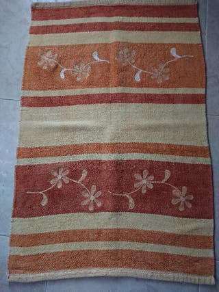 4 alfombras de algodón.