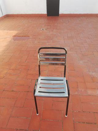 sillas de hierro y acero inoxidable