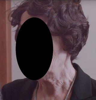 Peluca de mujer con el pelo corto