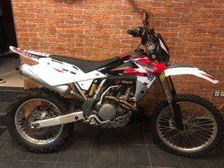 Moto enduro Husqvarna 250 4t