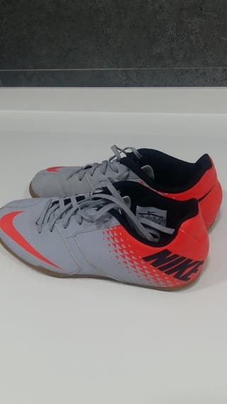 Botas fútbol sala Nike impecables 36 de segunda mano por 19